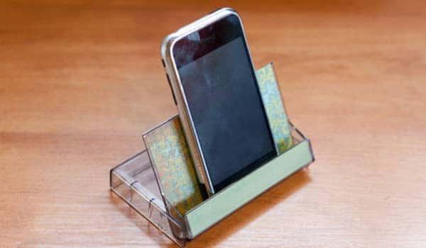 diy-office-hack-phone-holder