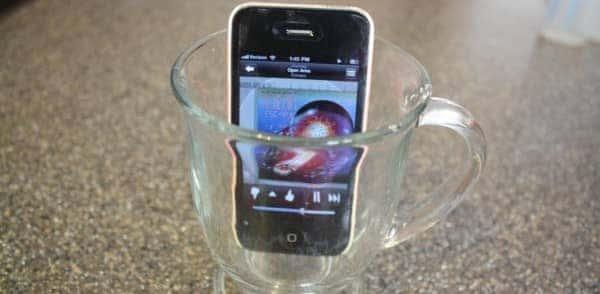 diy-hack-iphonespeakers