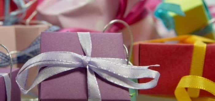 gift-package-loop-made-christmas-gifts-festival-1