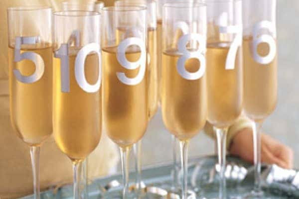 Countdown-Champange-Flutes-New-Year_s-Eve