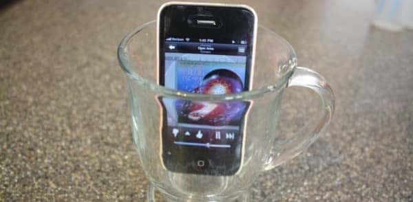 diy-hack-iphonespeakers