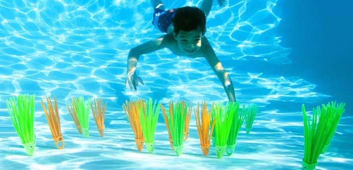 christmas-pool-toys