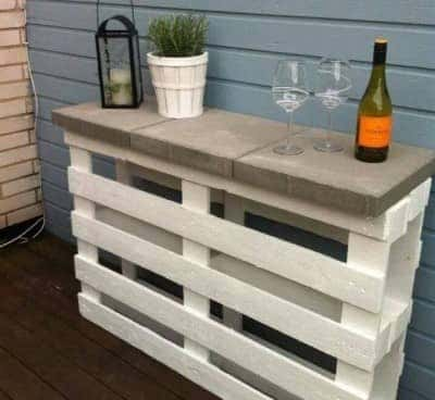 DIY-Pallet-Wine-Bar