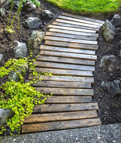 DIY-Walkway-Garden-Furniture-Ideas-For-DIY-Outdoor-Furniture-Gardening-Design