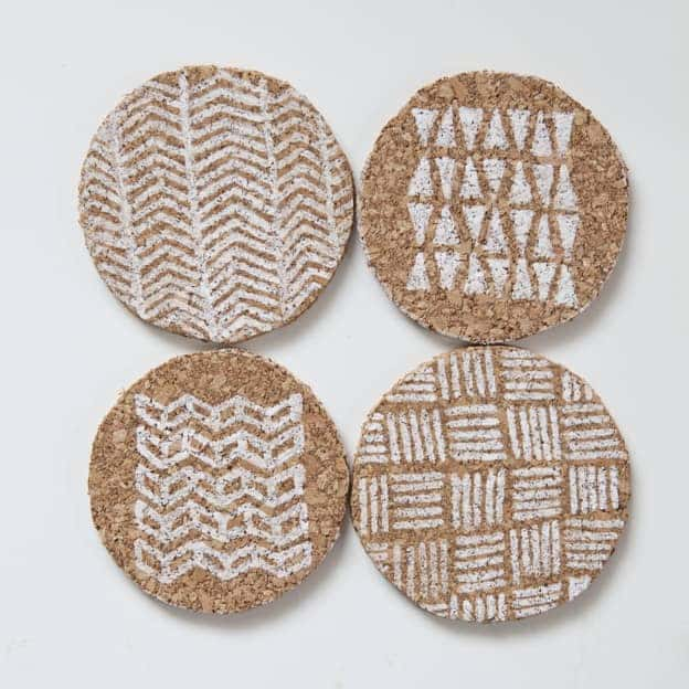 diy-corkboard-coasters1