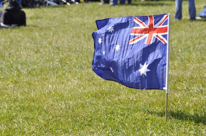 austraian flag lawn foter