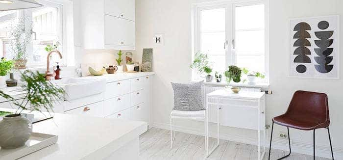 small kitchen design in white