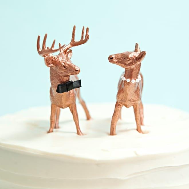Custom cake toppers | Airtasker DIY wedding ideas