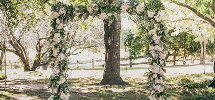 floral-wedding-arbour