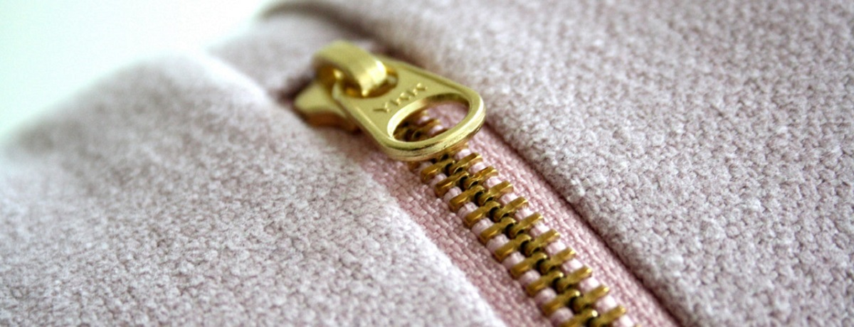 How to fix a broken zipper yourself it is possible airtasker blog usually you have three options head to the tailor for a zipper repair bin it solutioingenieria Images