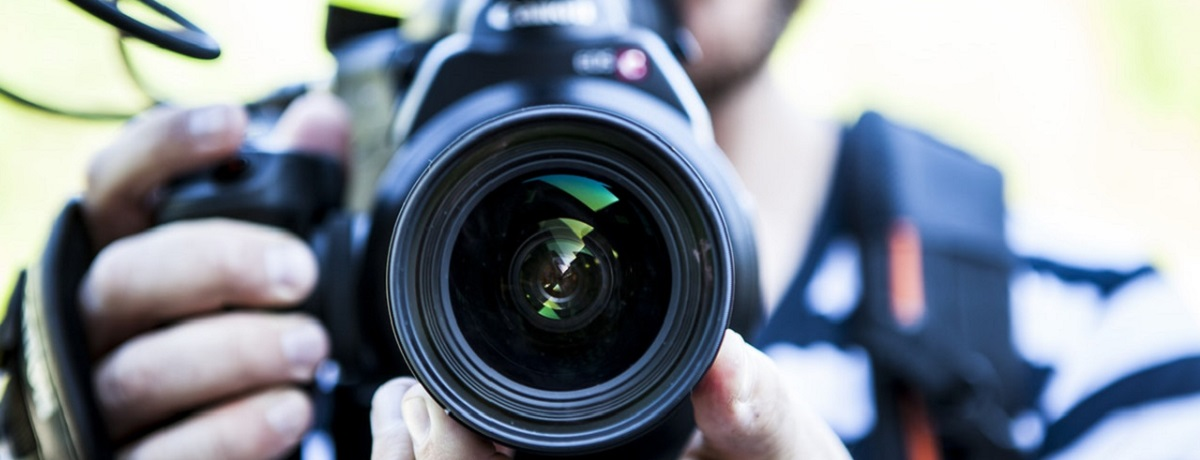What to know before hiring a professional photographer | Airtasker Blog