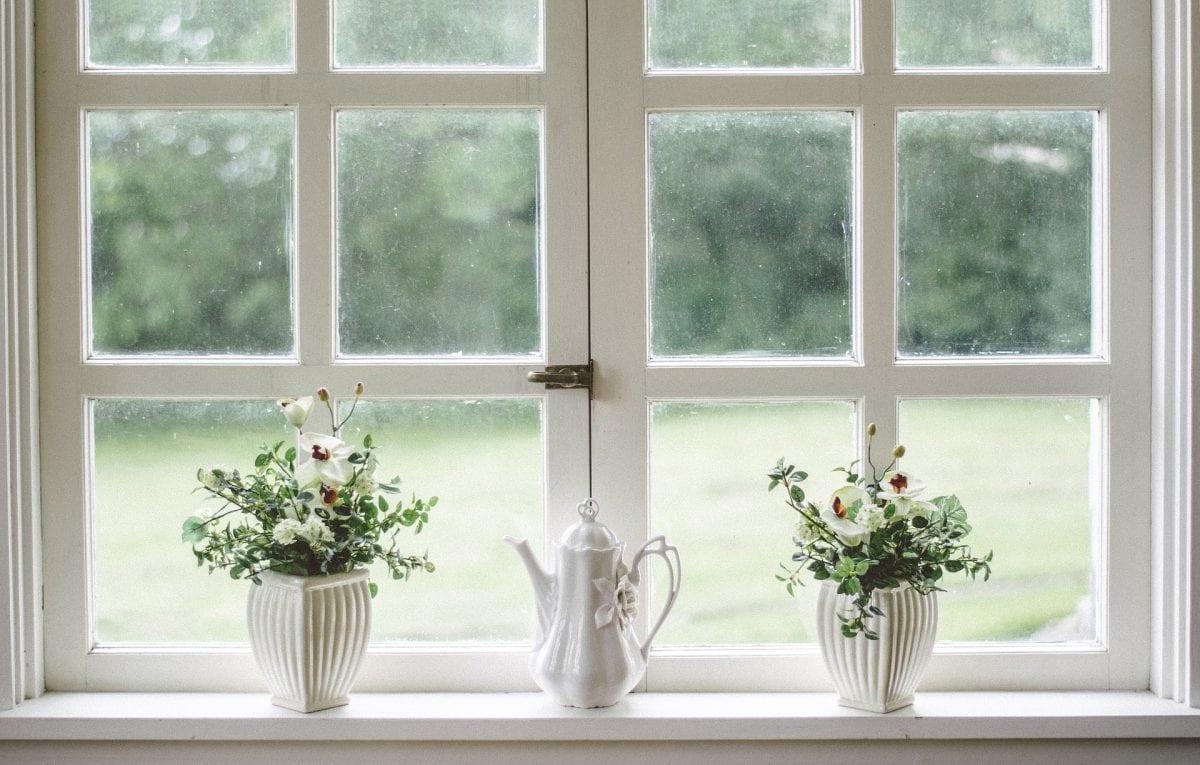How to paint window frames and door frames