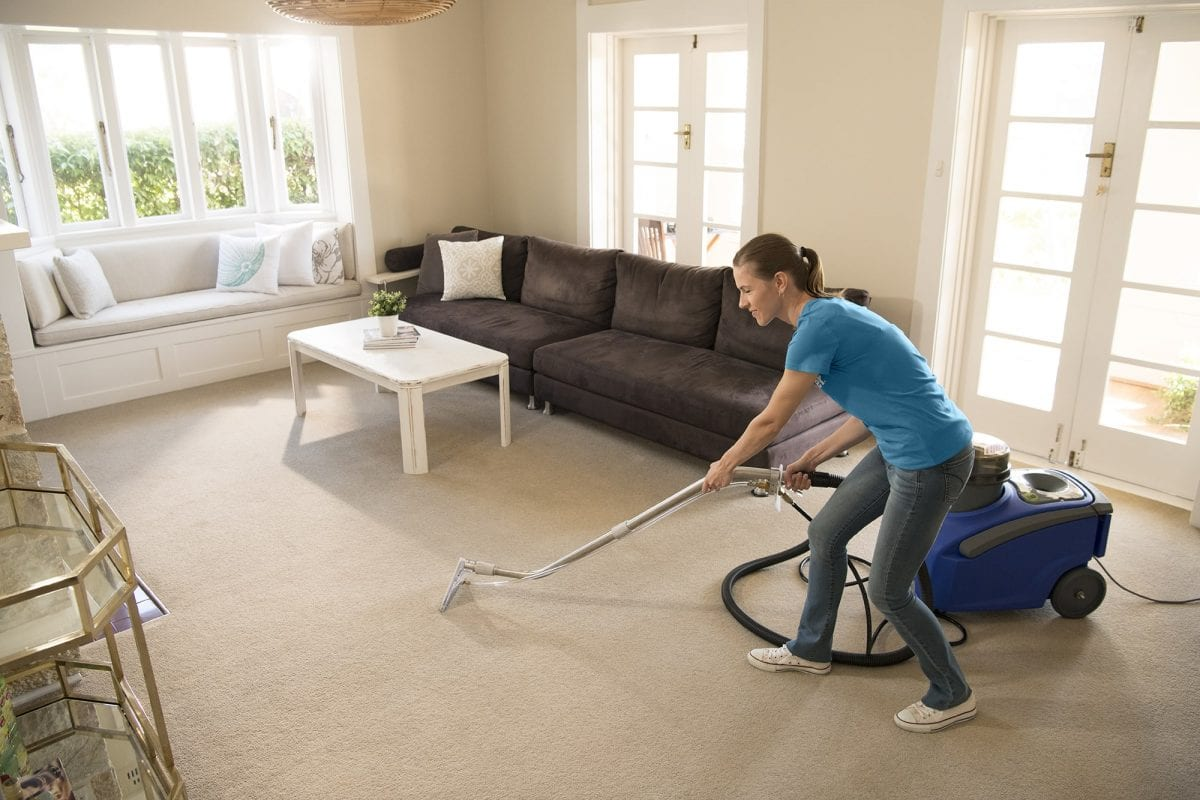 10 cleaning tools every home should own