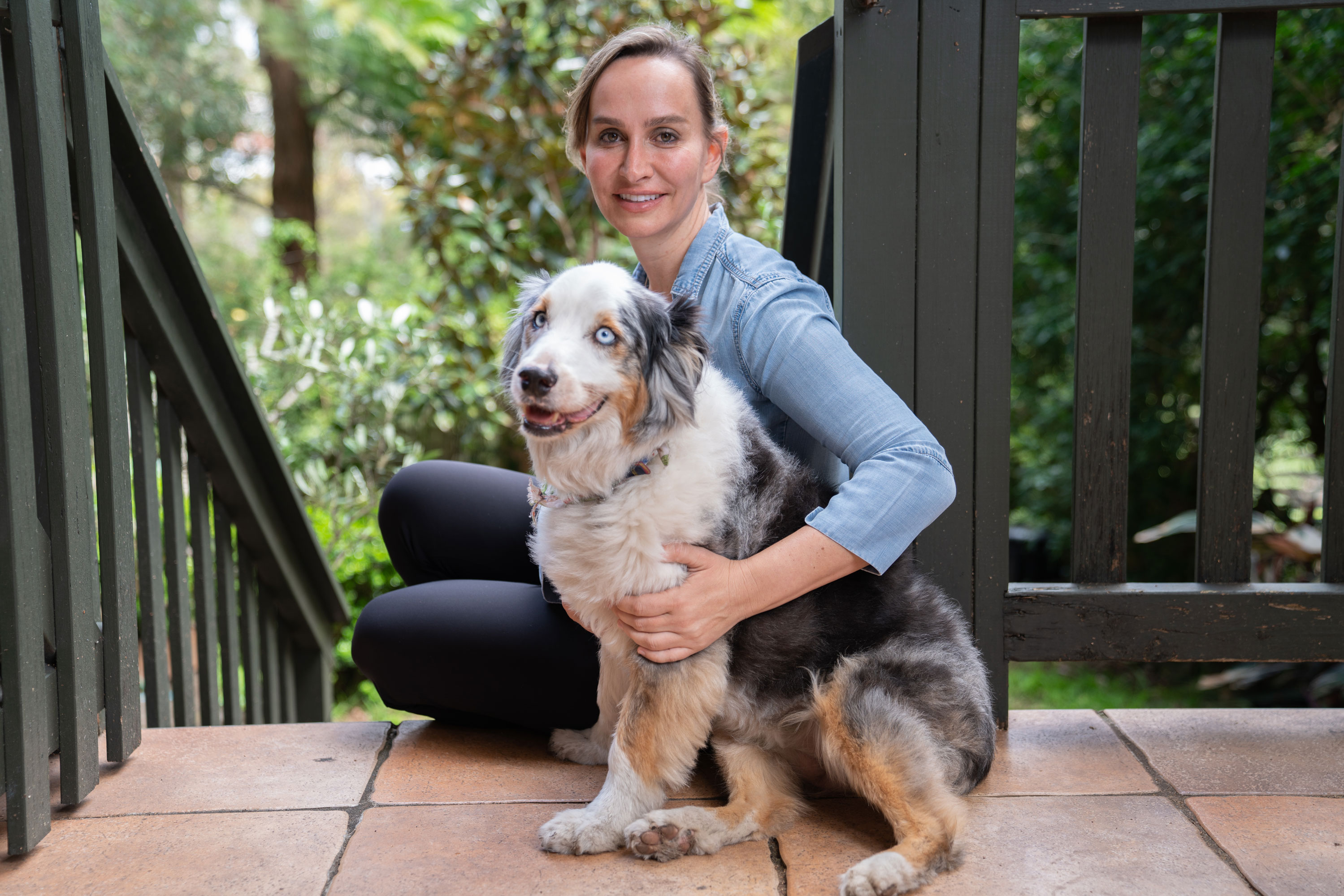 Jessica founder of Koala Eco with dog