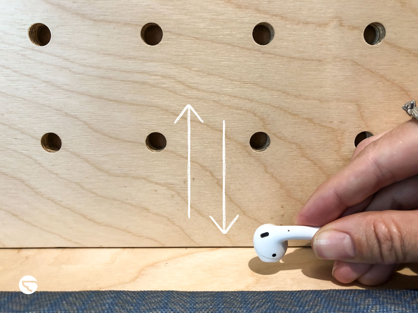 Clean your Apple Airpods like new | Airtasker Life Skills