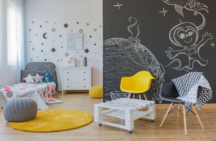 Chalkboard-paint-kids-bedroom
