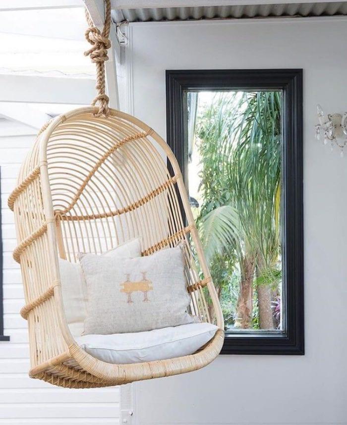 backyard-ideas-hanging-chairs