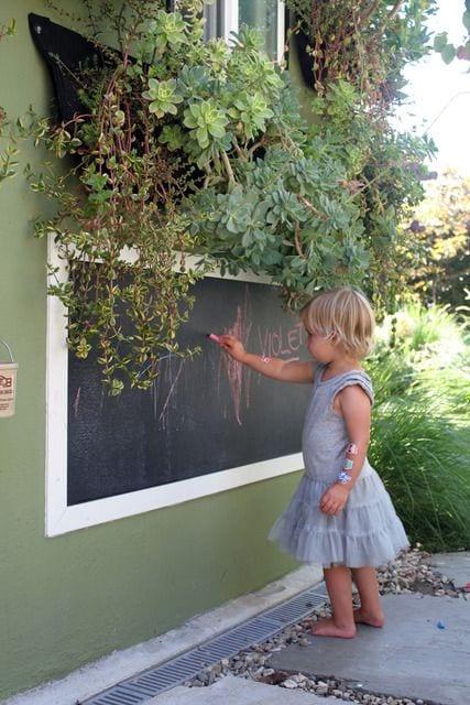 backyard-ideas-kids-blackboard
