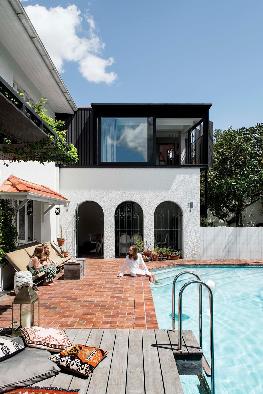 backyard-ideas-terracotta-pool-tiles