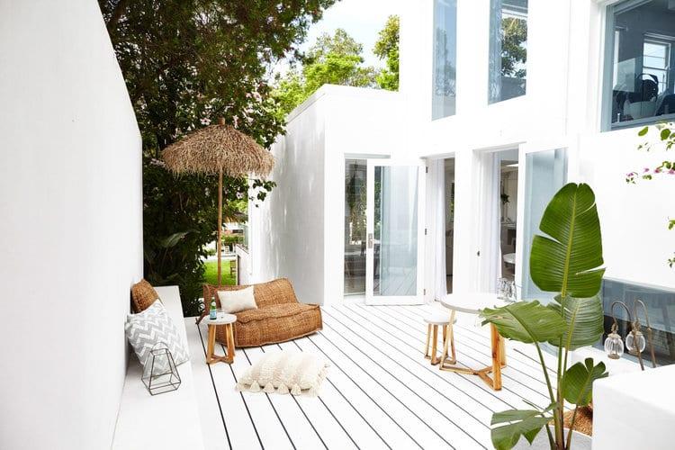 backyard-ideas-white-deck