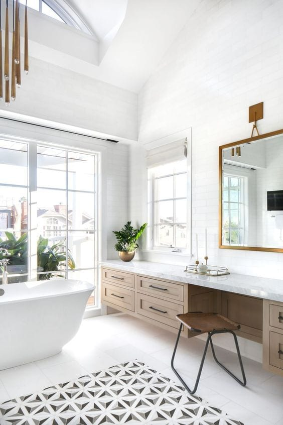 Bathroom make up vanity
