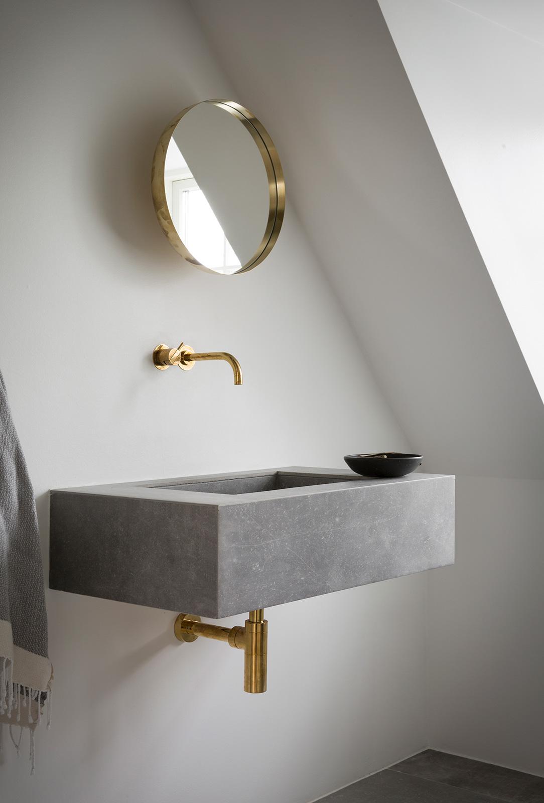 Modern industrial small bathroom