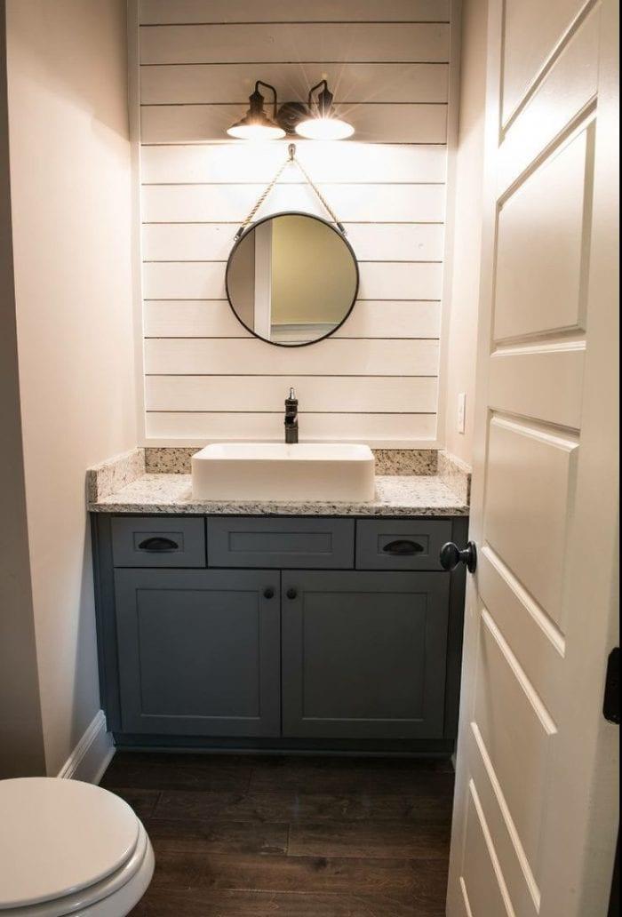 guest bathroom simplistic