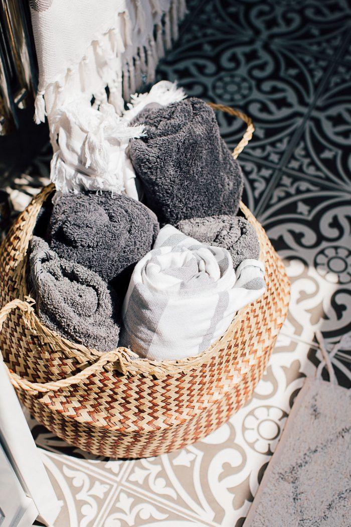 Towel basket storage