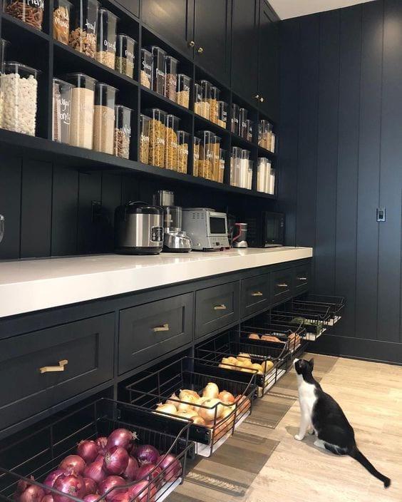kitchen-ideas-butler-pantry-dark