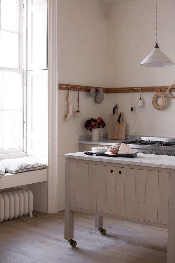 kitchen-ideas-island-bench-wheels