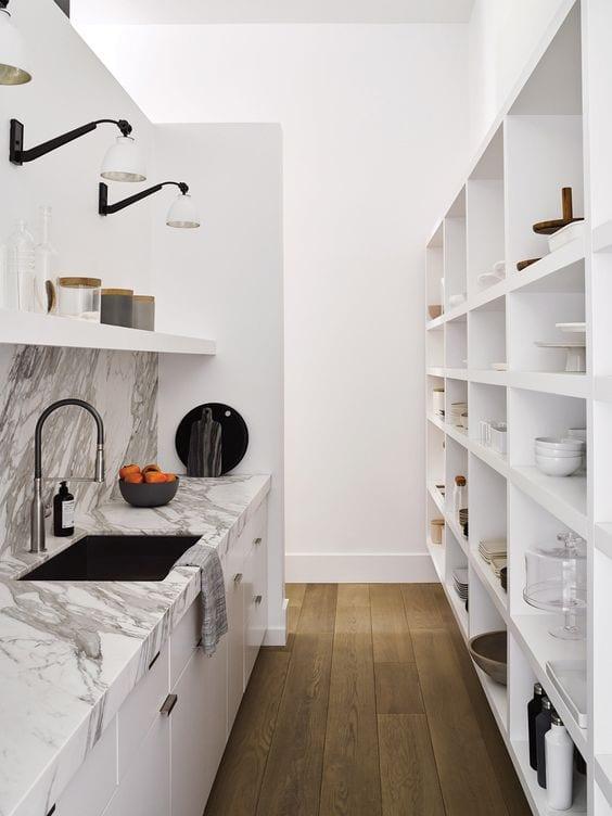kitchen-ideas-pantry-walkin