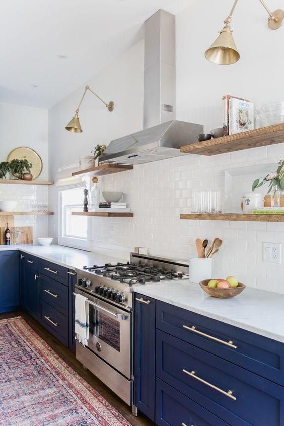 kitchen-ideas-pendant-light-spotlight