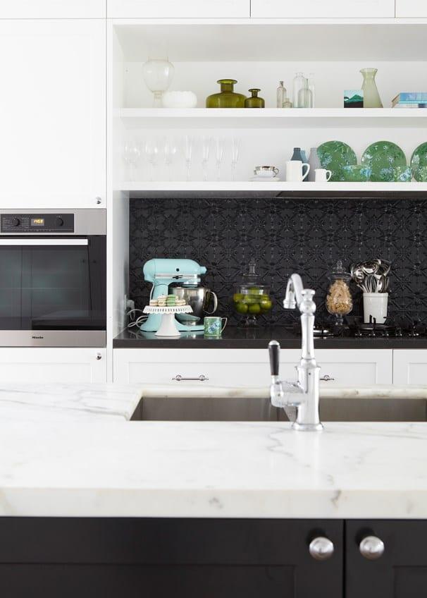 kitchen-ideas-pressed-tin-splashback
