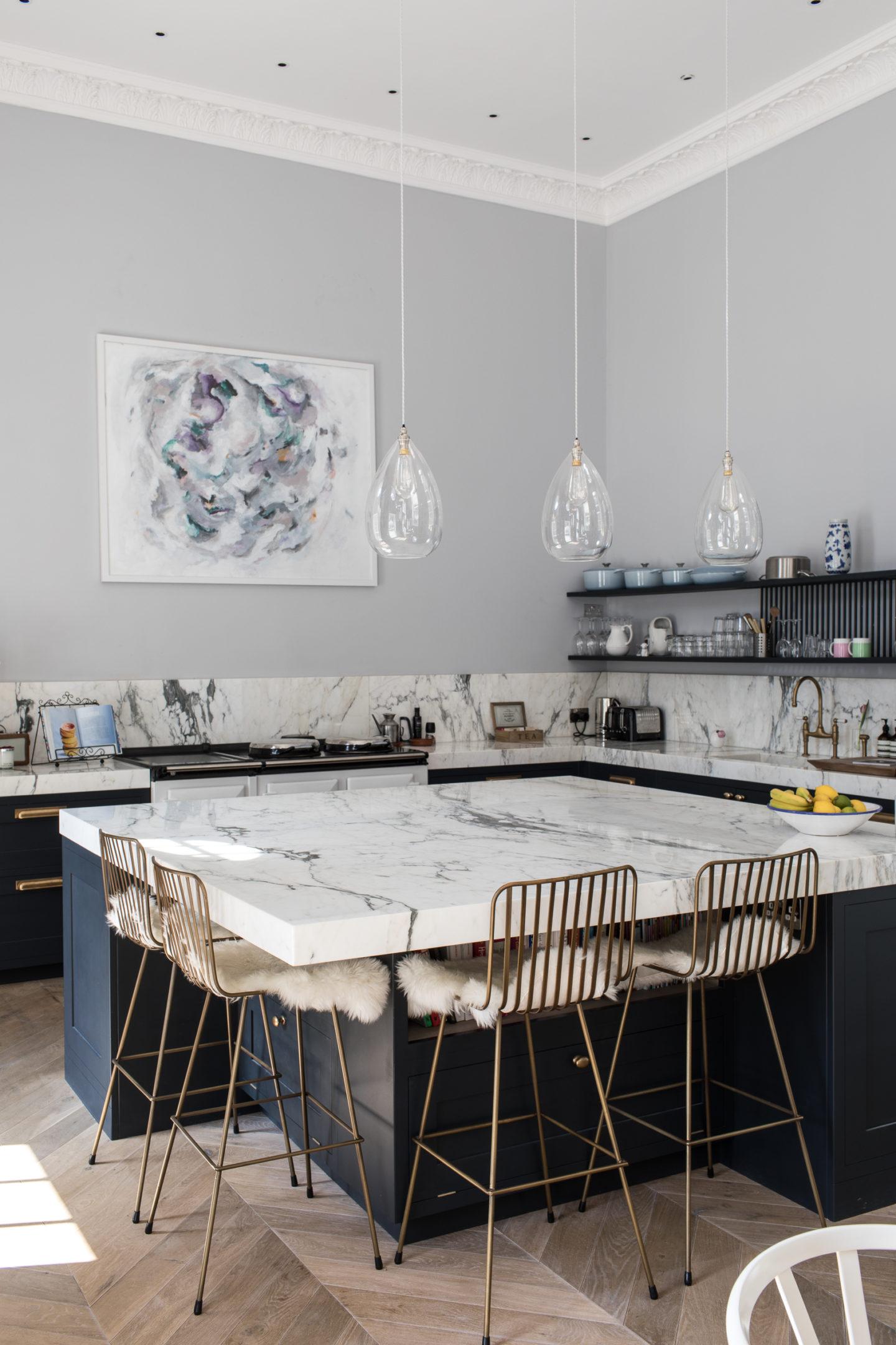 kitchen-ideas-square-island-bench