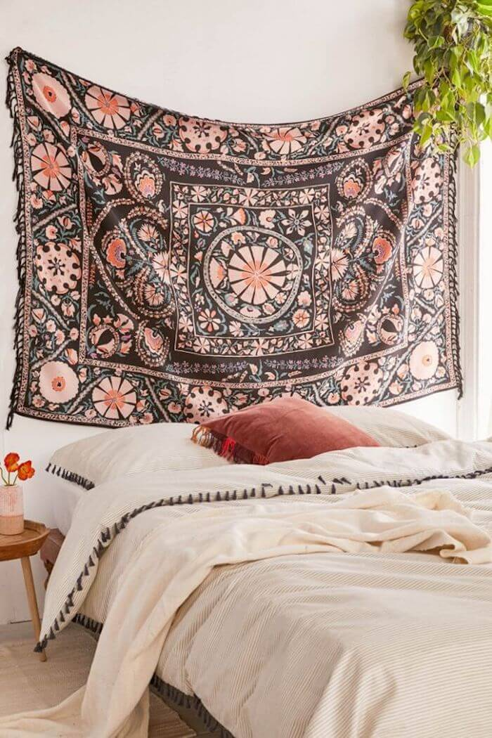 tapestry-bedroom