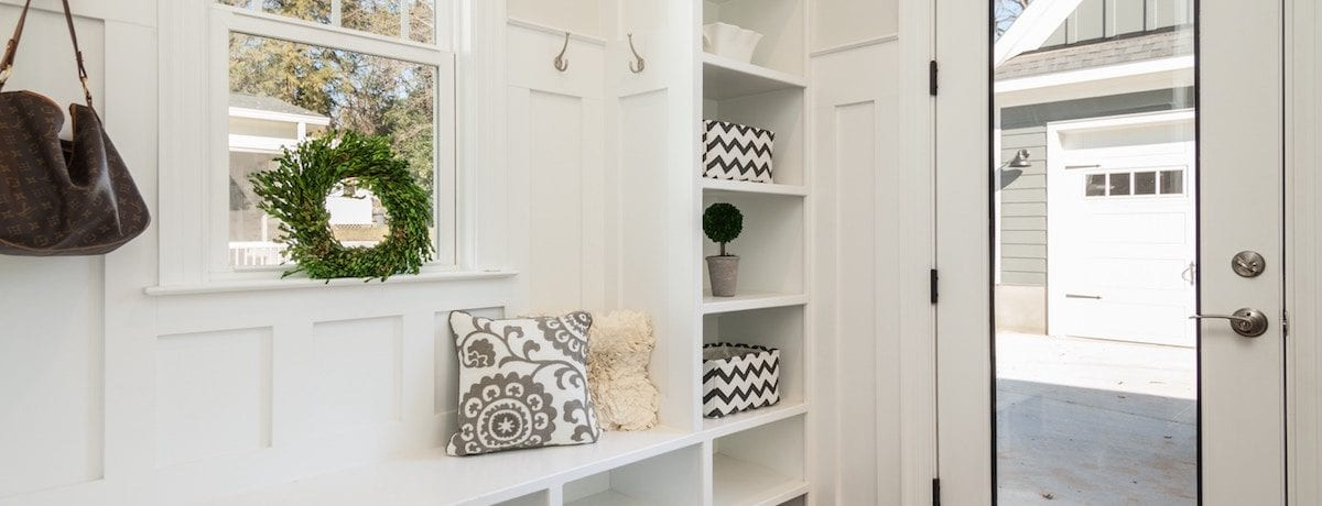 32+ Mudroom ideas for your home – benches, coat hooks, DIY and storage solutions