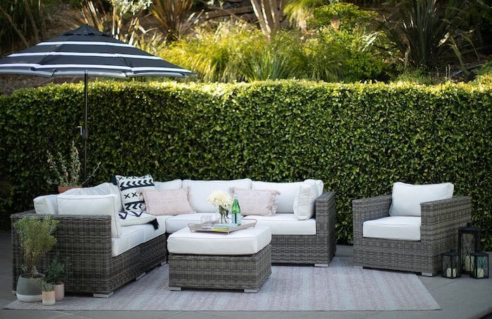 outdoor-seating-sectional