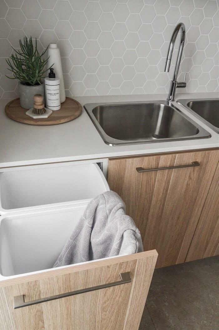 laundry-hamper-cabinet