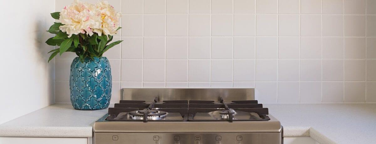 35 Kitchen splashback ideas – tiles, glass, white and coloured