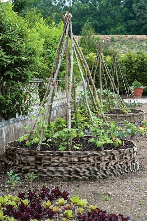 Woven garden bed