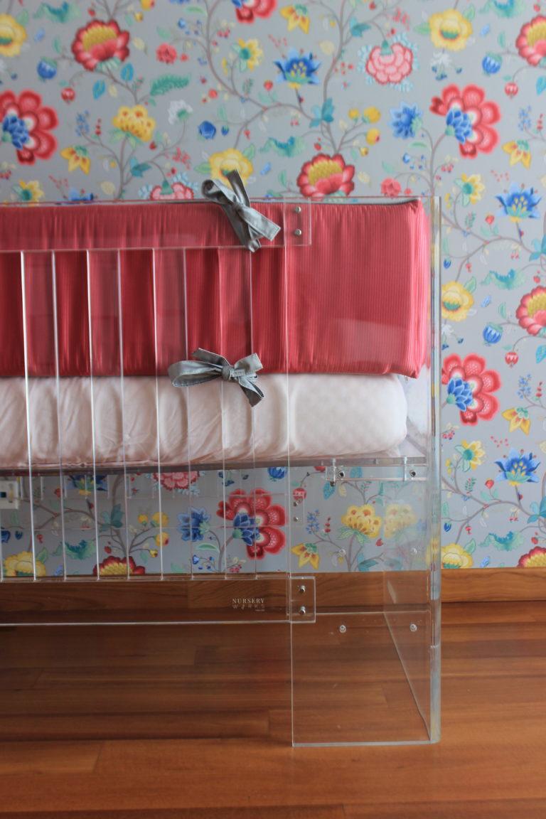 Acrylic crib