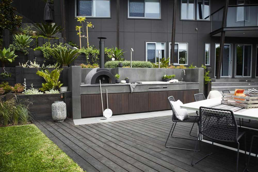 outdoor-kitchen-wall