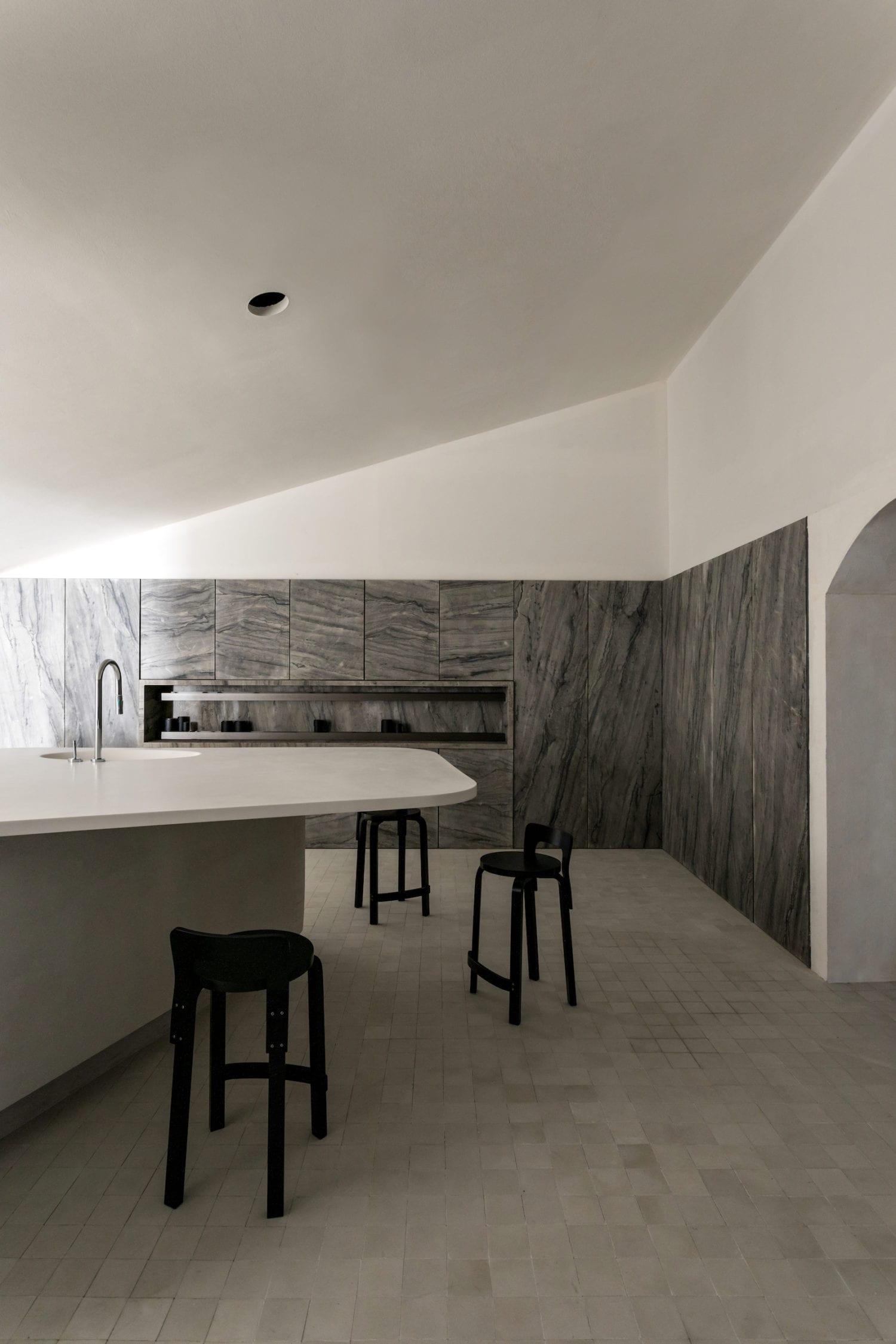 Stone kitchen wall