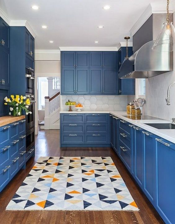 blue with geo rug