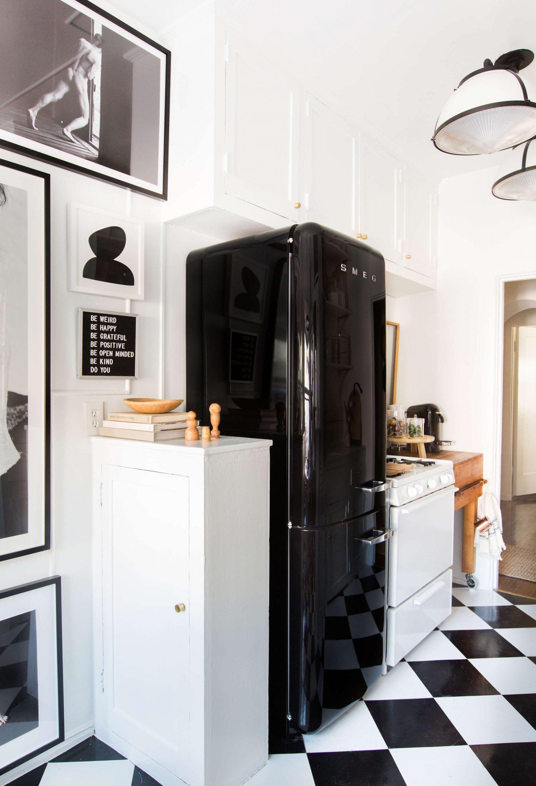 Image of: 30 Retro Kitchen Ideas Tables Chairs And Retro Kitchen Decor