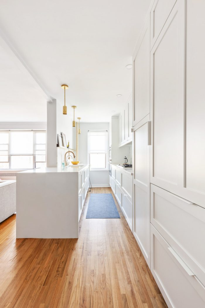 galley-kitchen-white