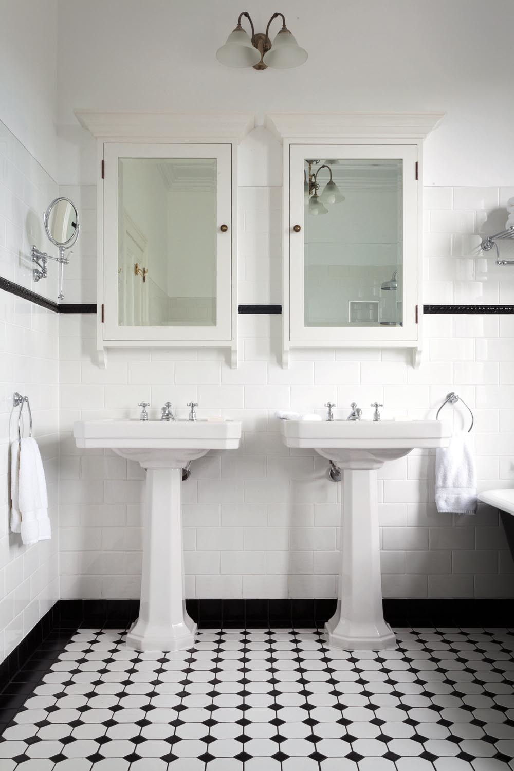 10+ Stunning art deco bathrooms - mirrors, lights and vanities