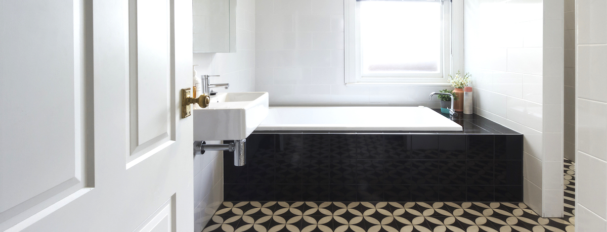 Black and white bathroom ideas for your home