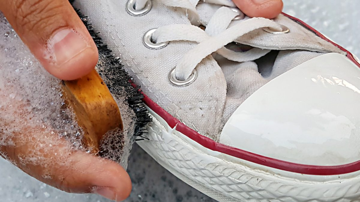 washing converse shoes