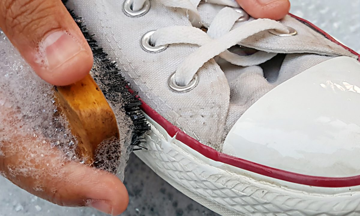 How to keep white shoes sparkling clean